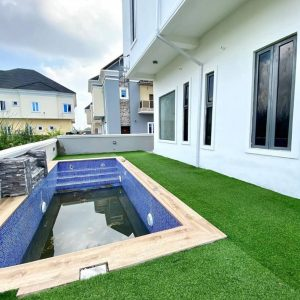 5 Bedrooms Detached House For Sale In Lekki