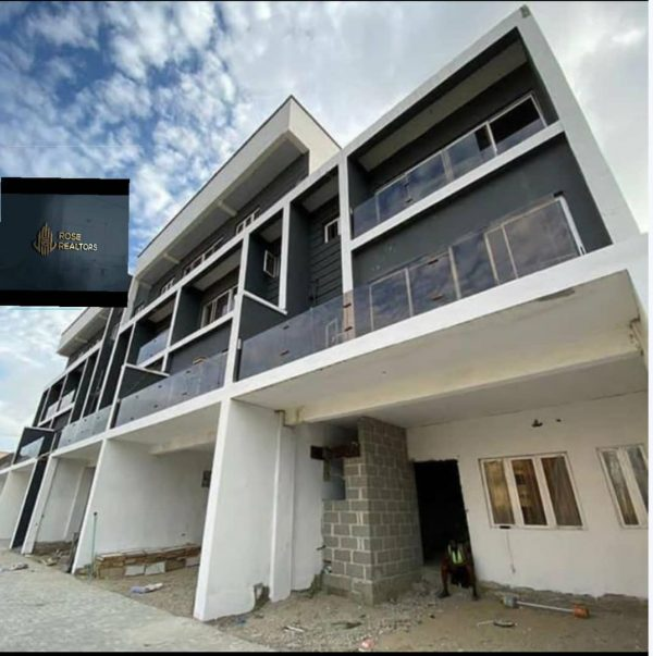 4 Bedrooms Townhouses For Sale At Lekki