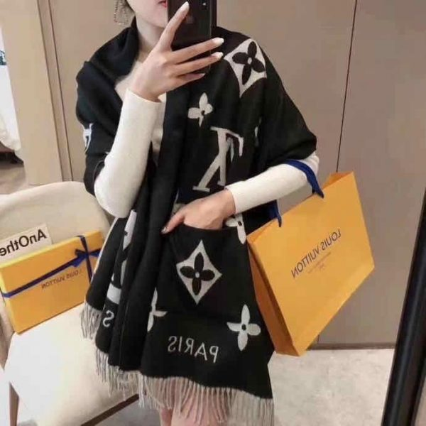 Louis Vuitton Scarf With Package In Nigeria For Sale